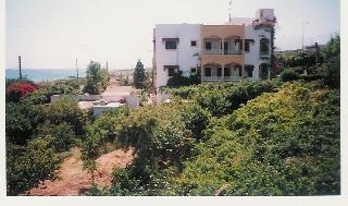 Iliostasi Beach Apts Хотел, Херсонисос