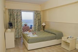 Coral Beach Хотел, Рода