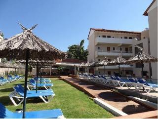 Sunday Hotel, Ialisos