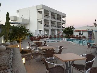 Bright Star Хотел, Фалираки