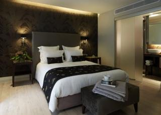 The Y Хотел, Атина