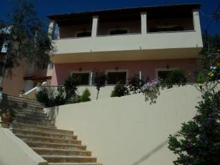 Roza Studios, Пелекас