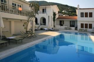 Skopelos Village Hotel Apartments, Скопелос