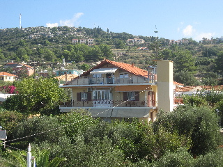 Lorenzo Hotel & Apartments, Lassi
