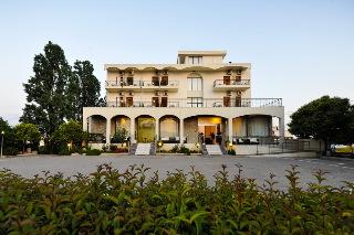 Kleopatra Inn Хотел, Каламата