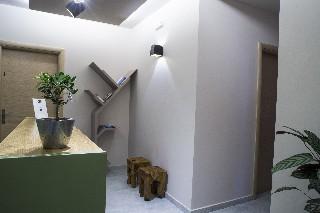 Elia Potie Studios, Ханя - град