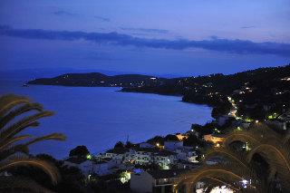 Poseidon Villas, Град Скиатос
