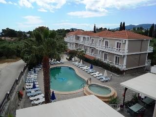Megara Hotel, Лаганас