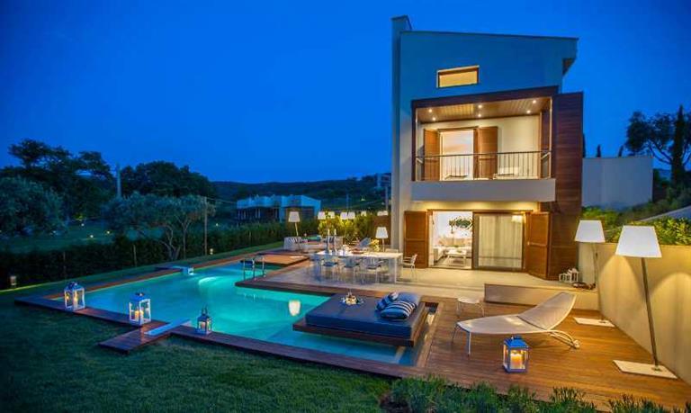 Avaton Luxury Villas Resort, Неа Рода