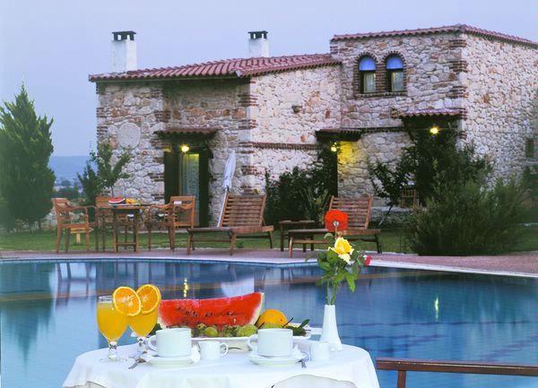 Petrino Suites Hotel, Афитос