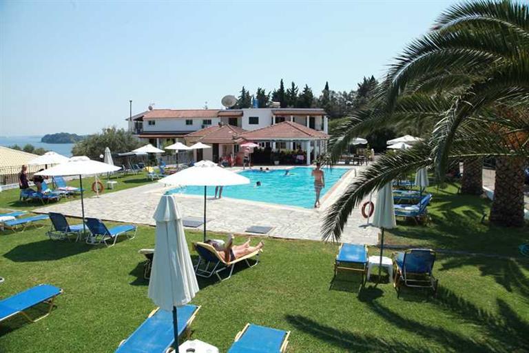 Yannis Hotel, Ипсос