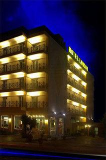 London Хотел, Атина Крайбрежие