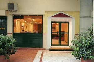 Alma Хотел, Атина