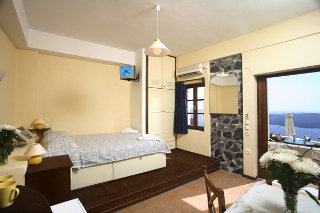 Panorama Studio & Suites, Fira